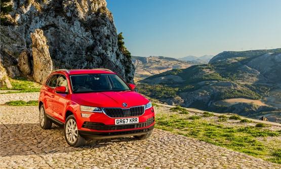road test skoda karoq 1 6 tdi se technology review company car reviews