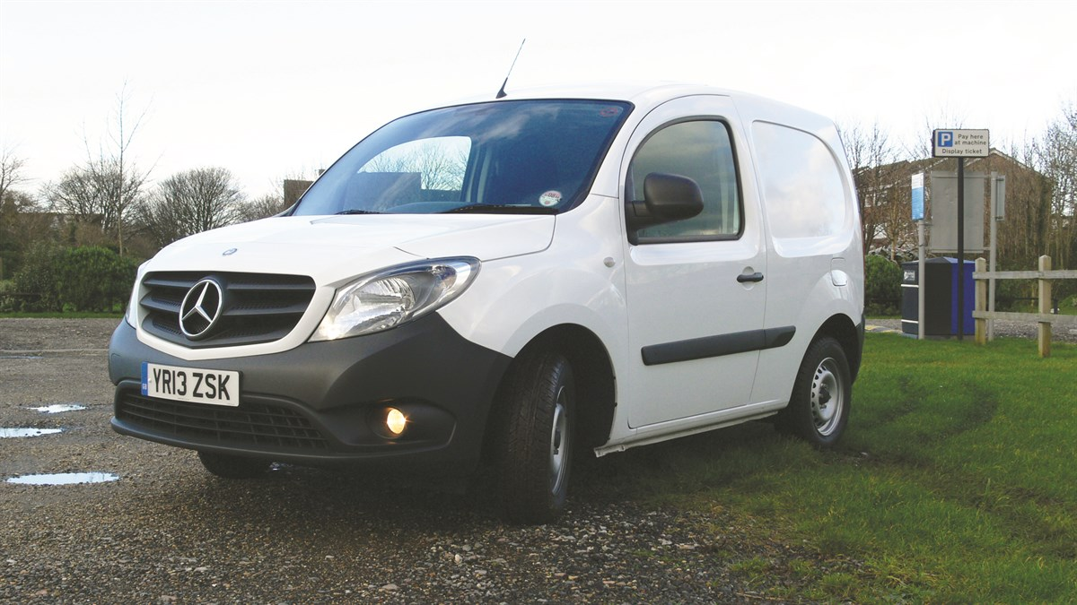 Driven mercedes benz citan compact van review small vans for Small mercedes benz