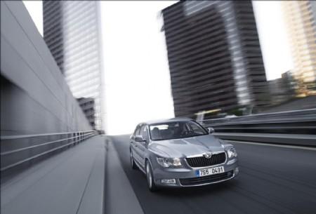 Skoda Superb 2.0 TDI SE | Company Car Reviews