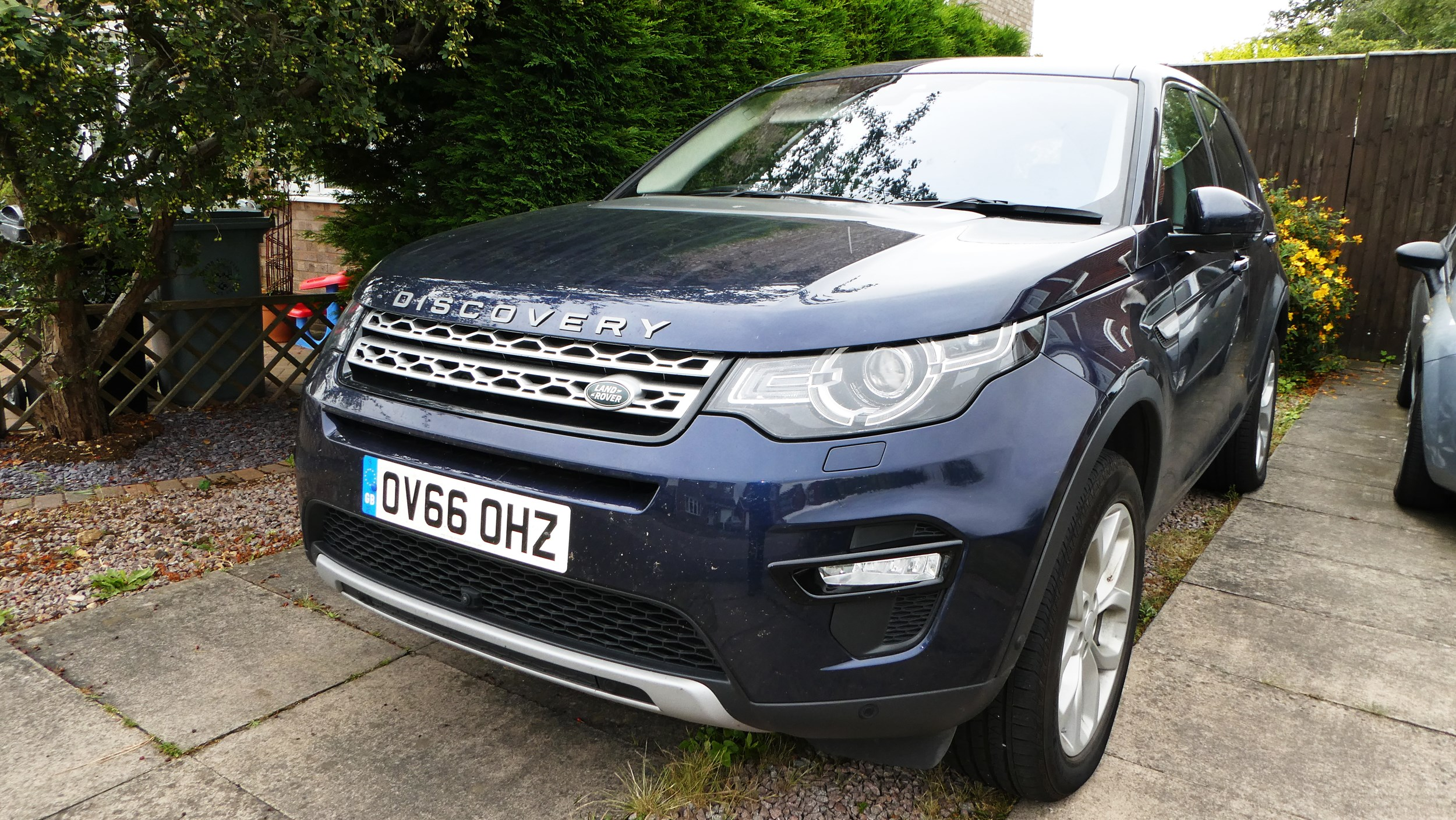 for price articles discovery sport en rover car the versatility built land landrover guide