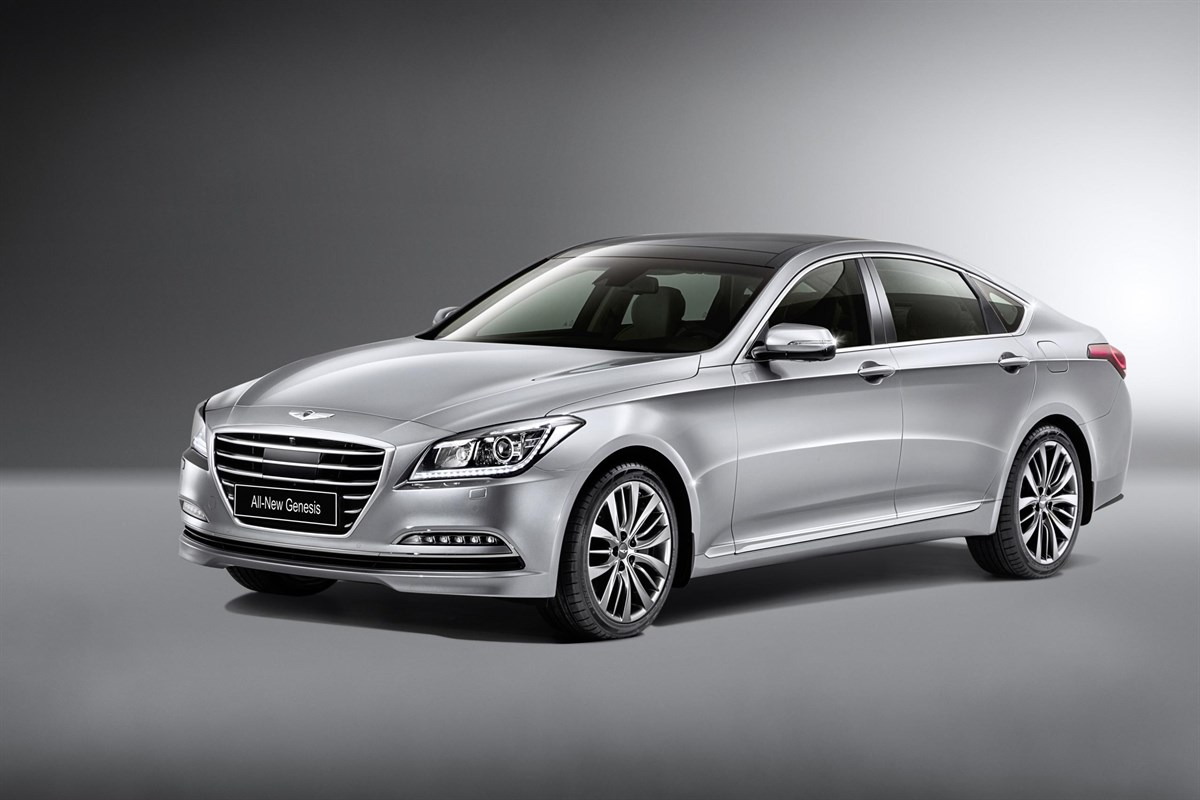 hyundai debut genesis in europe manufacturer news. Black Bedroom Furniture Sets. Home Design Ideas