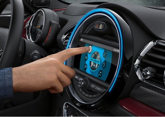 Mini Updates Range For 2017 With New Instruments And Le Carplay
