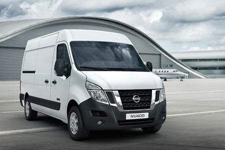 First UK drive: Nissan NV400 - Van Review | Van Reviews