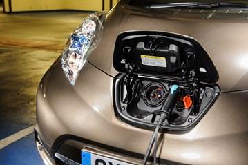 Nissan Leaf, EV, electric vehicle, EV charging infrastructure, plug-in vehicles.