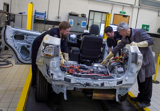 Mitsubishi Enhances Technician Training To Deal With Hybrid And Electric Vehicles