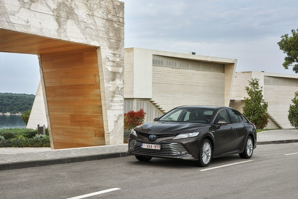 New Toyota Camry hybrid priced from £29,995 | Manufacturer News