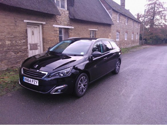 our fleet peugeot 308 sw allure bluehdi 120 august 2015 company car reviews. Black Bedroom Furniture Sets. Home Design Ideas