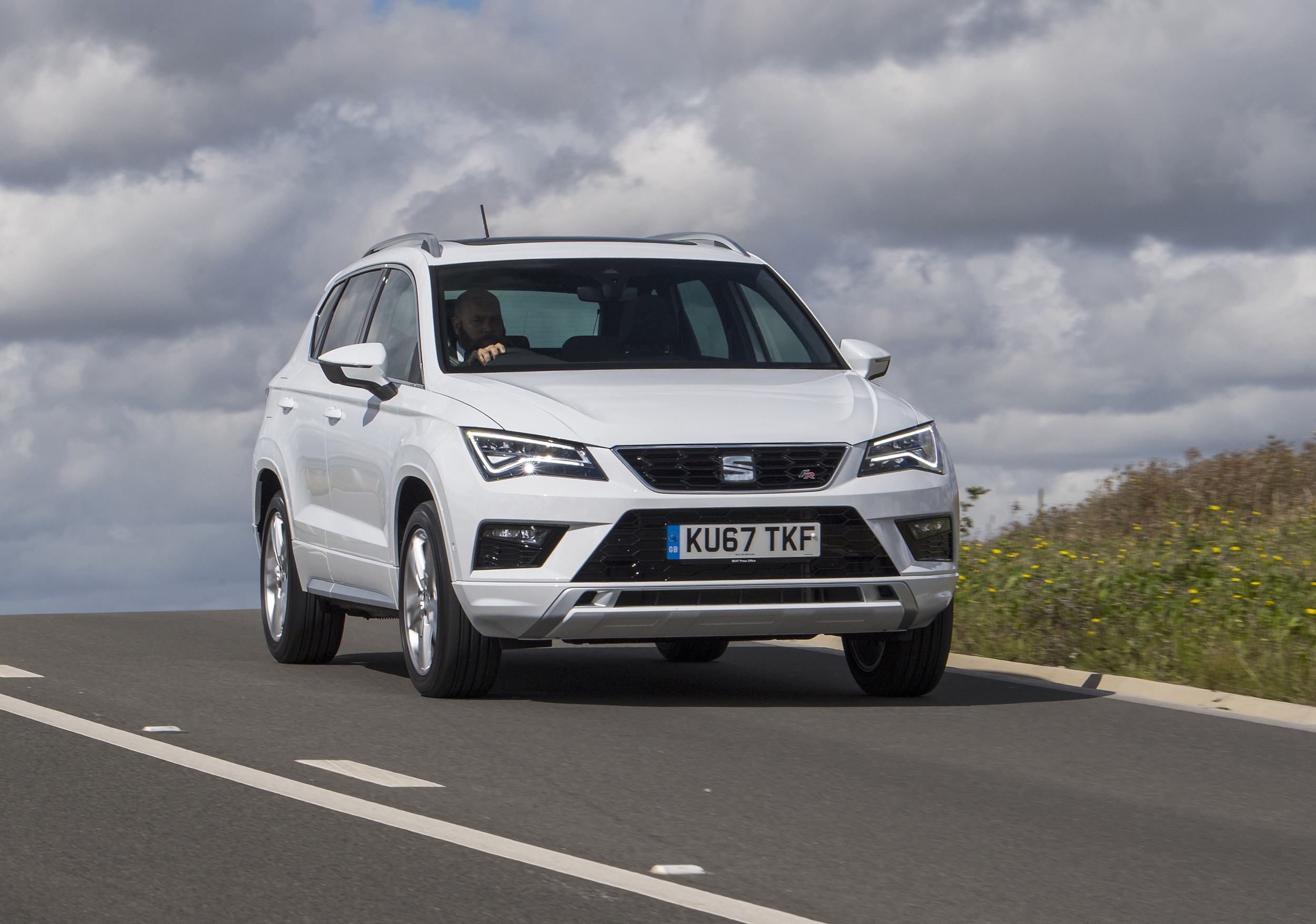 seat ateca fr road test shows 1 4 tsi petrol engine is credible diesel alternative company car. Black Bedroom Furniture Sets. Home Design Ideas