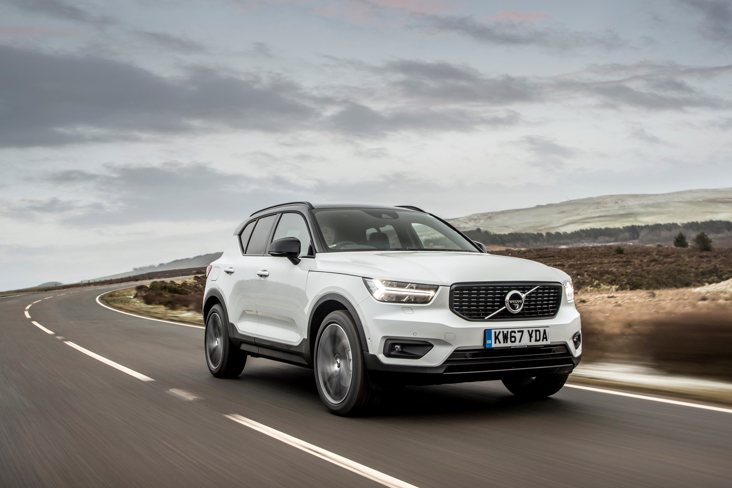 volvo xc40 road test and fuel consumption figures company car reviews. Black Bedroom Furniture Sets. Home Design Ideas