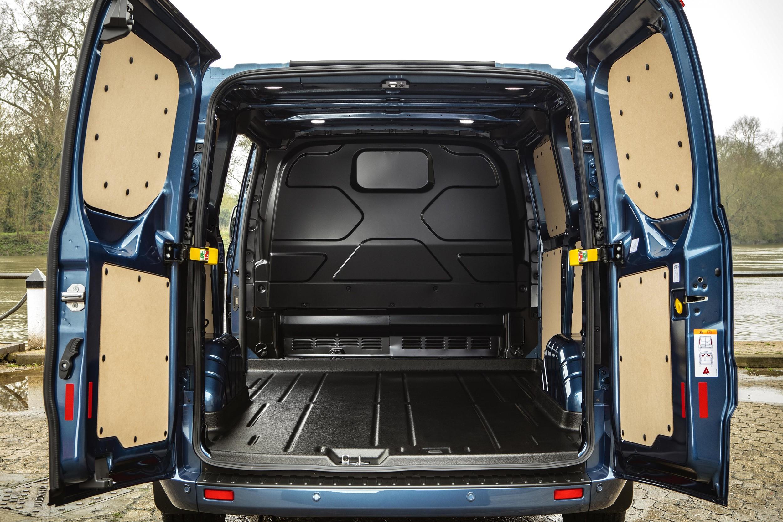 New Ford Transit Custom Makes 2018 Cv Show Debut Van News