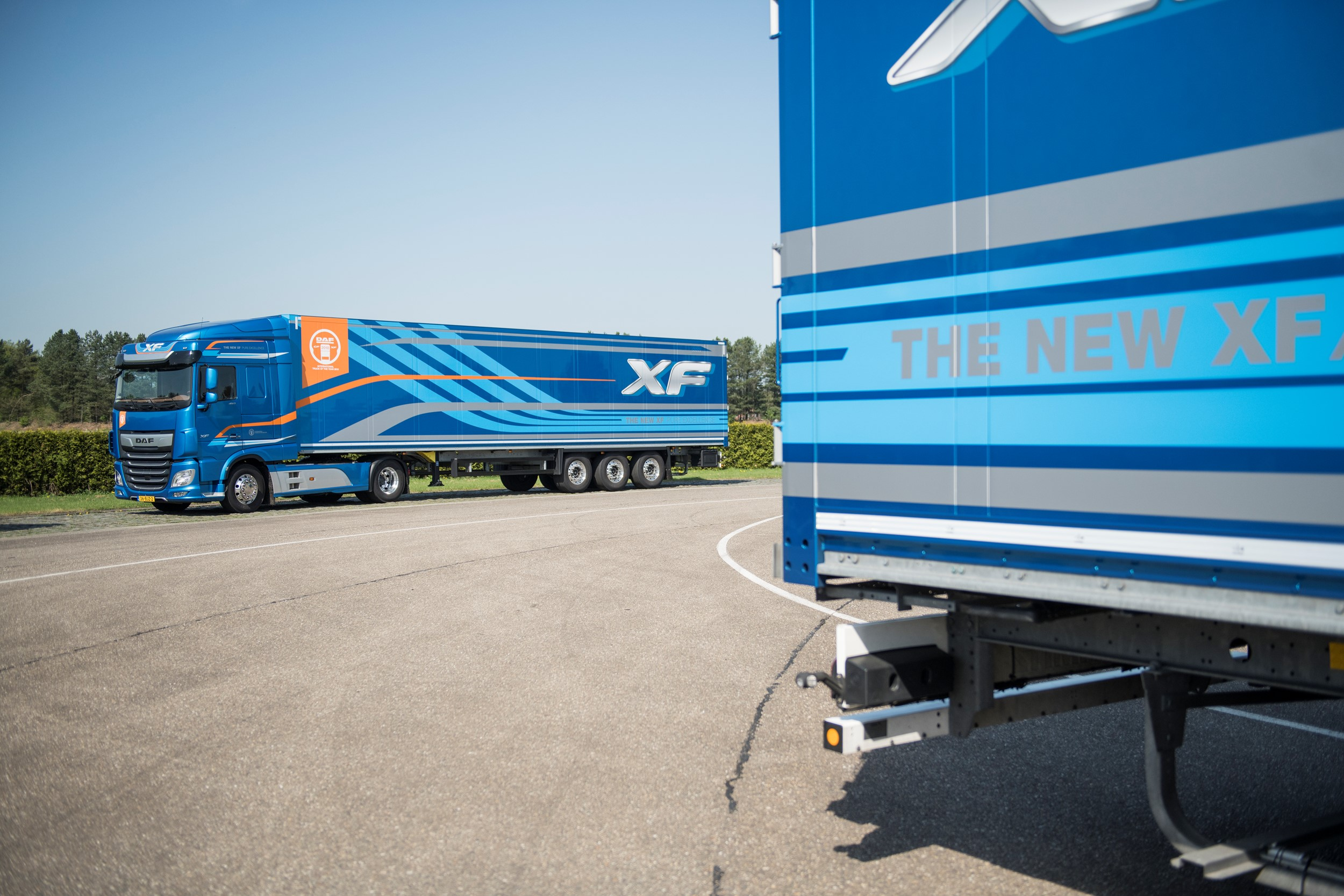 Daf XF 450's updated locking gives truck drivers night-time