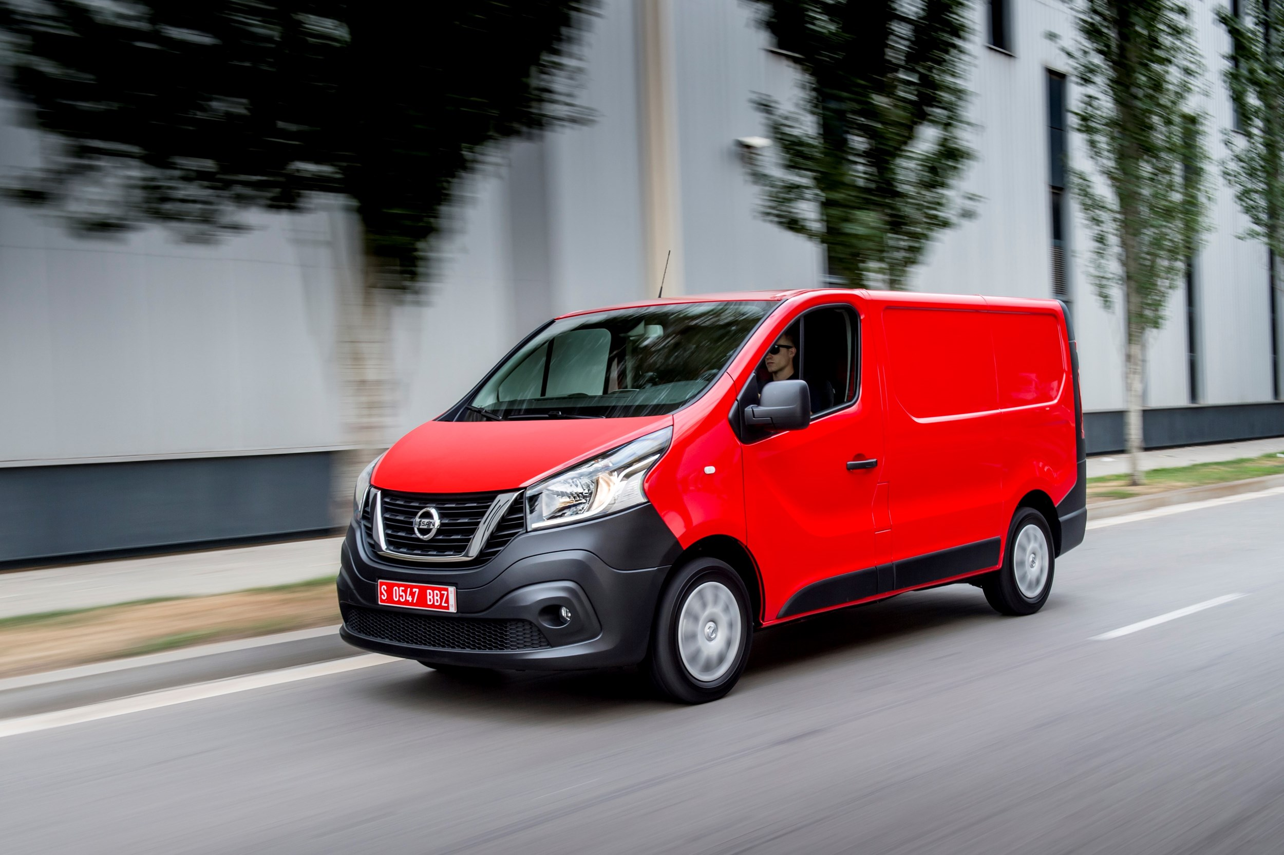 nissan launches nv300 medium panel van van news. Black Bedroom Furniture Sets. Home Design Ideas