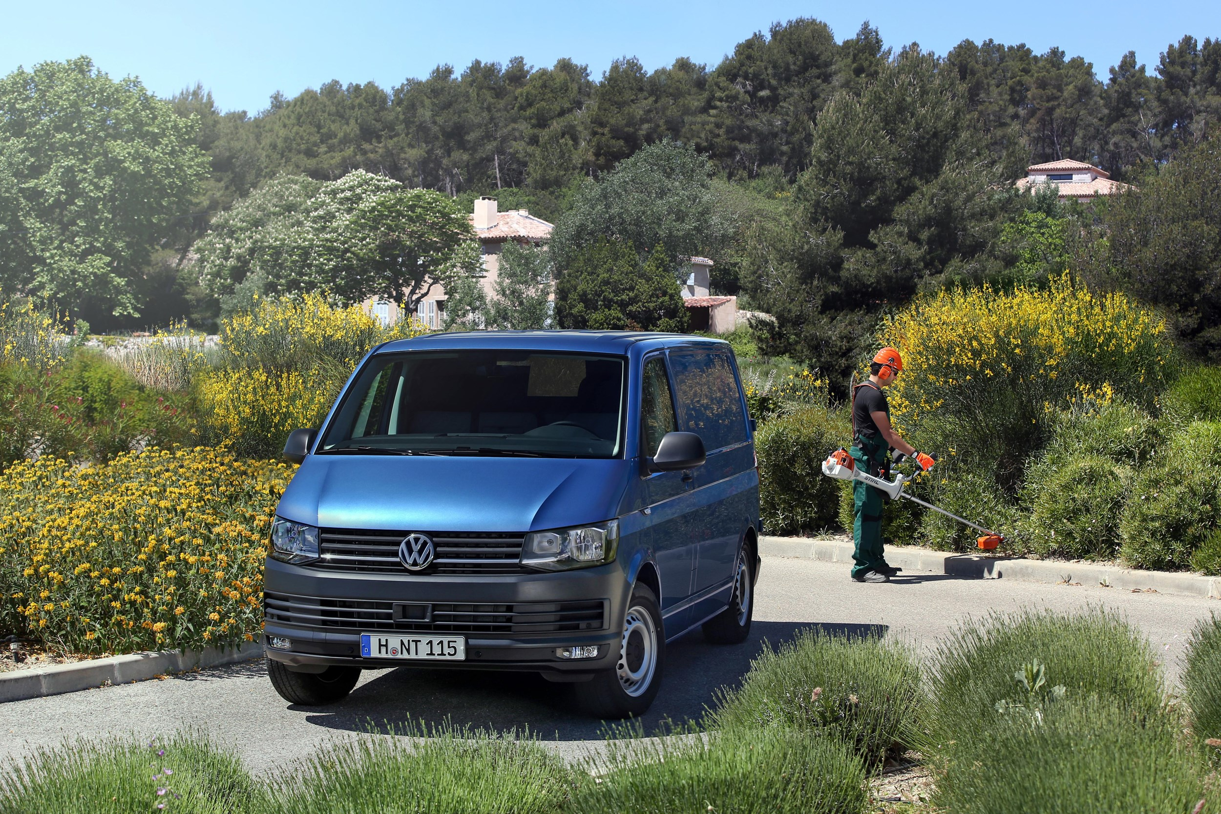 first drive volkswagen transporter t6 euro 5 140hp van. Black Bedroom Furniture Sets. Home Design Ideas