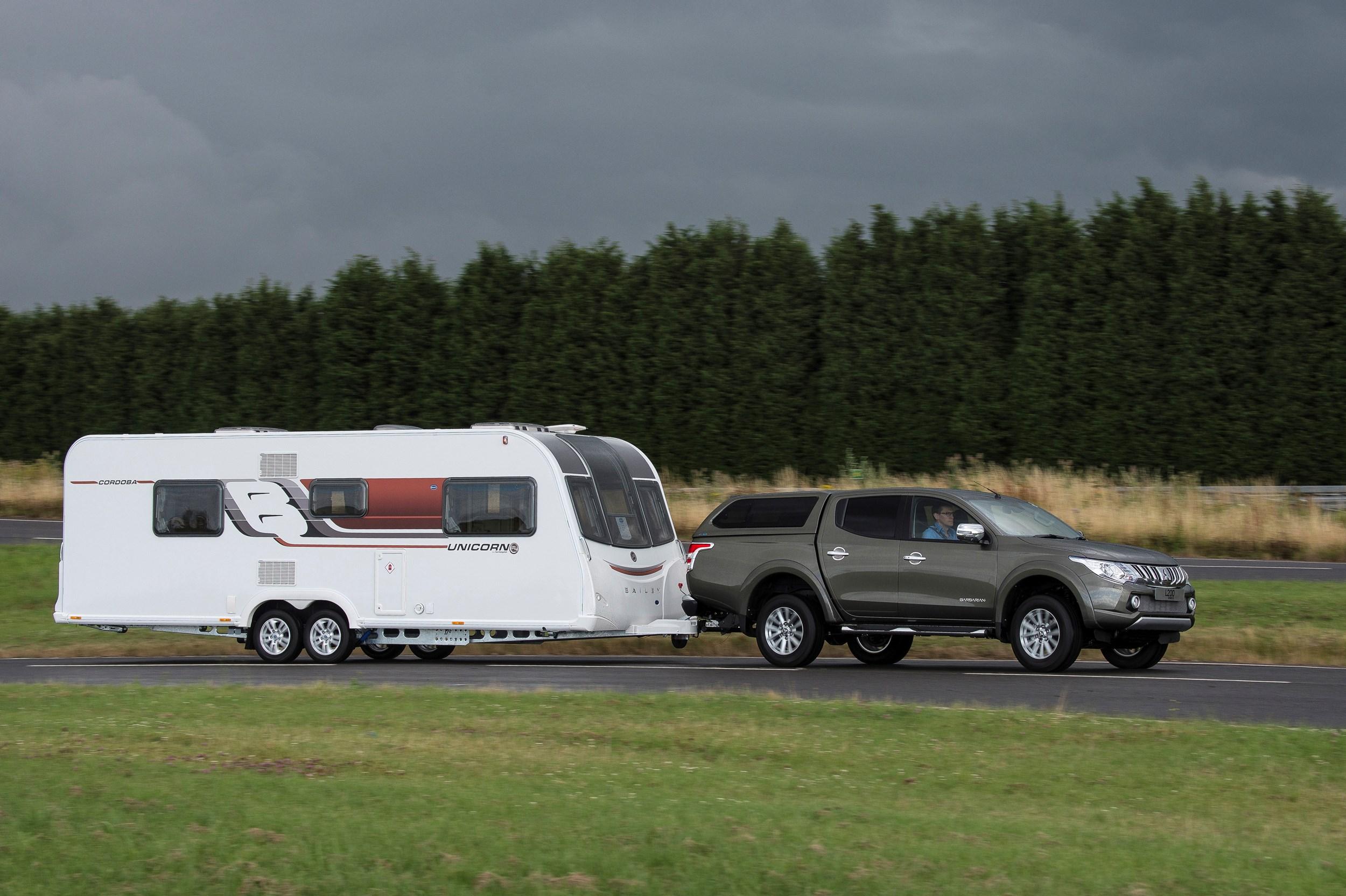 first drive mitsubishi l200 pick up review pick up trucks. Black Bedroom Furniture Sets. Home Design Ideas