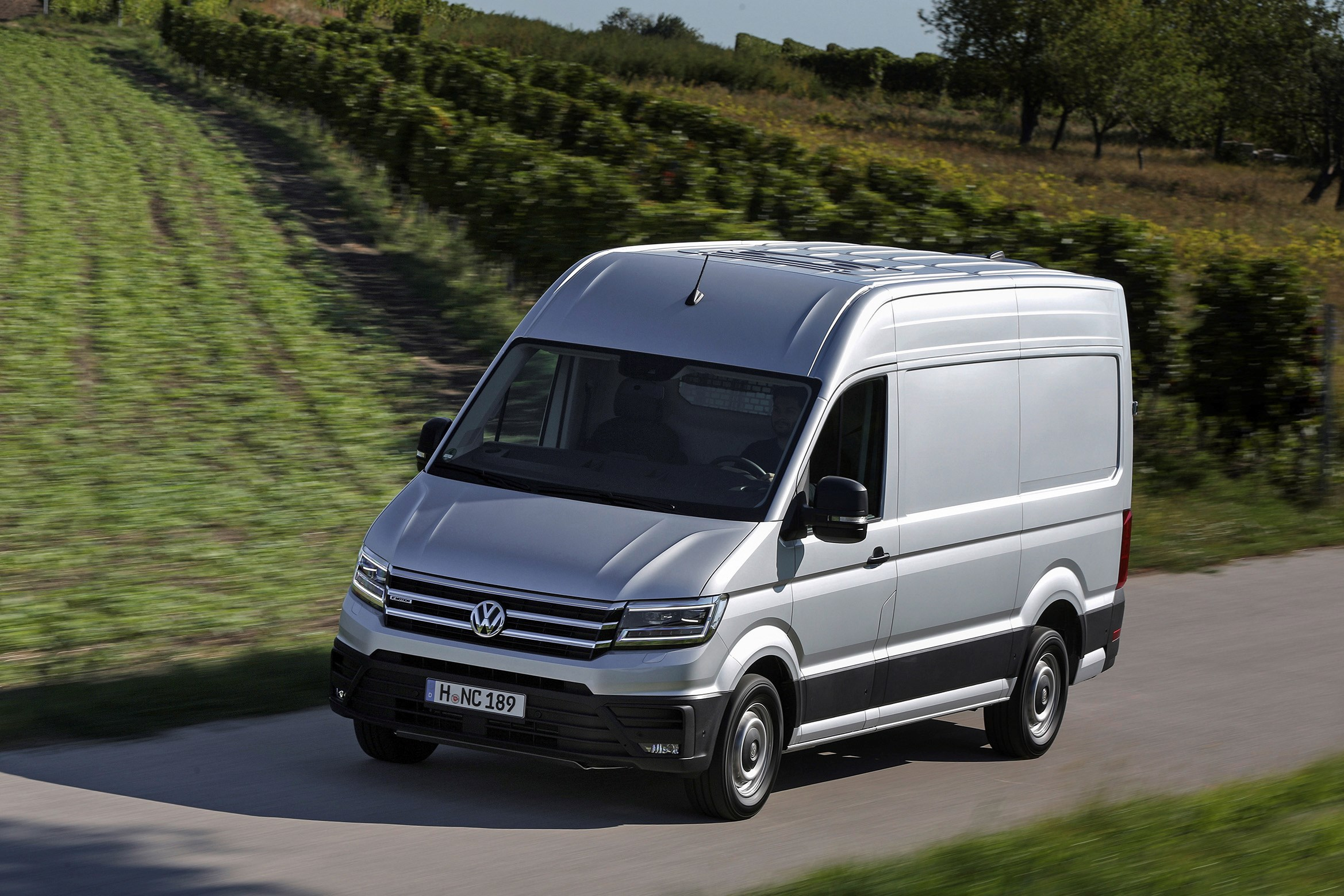 first drive volkswagen crafter startline large panel vans. Black Bedroom Furniture Sets. Home Design Ideas