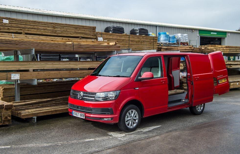 volkswagen transporter petrol van review first drive. Black Bedroom Furniture Sets. Home Design Ideas